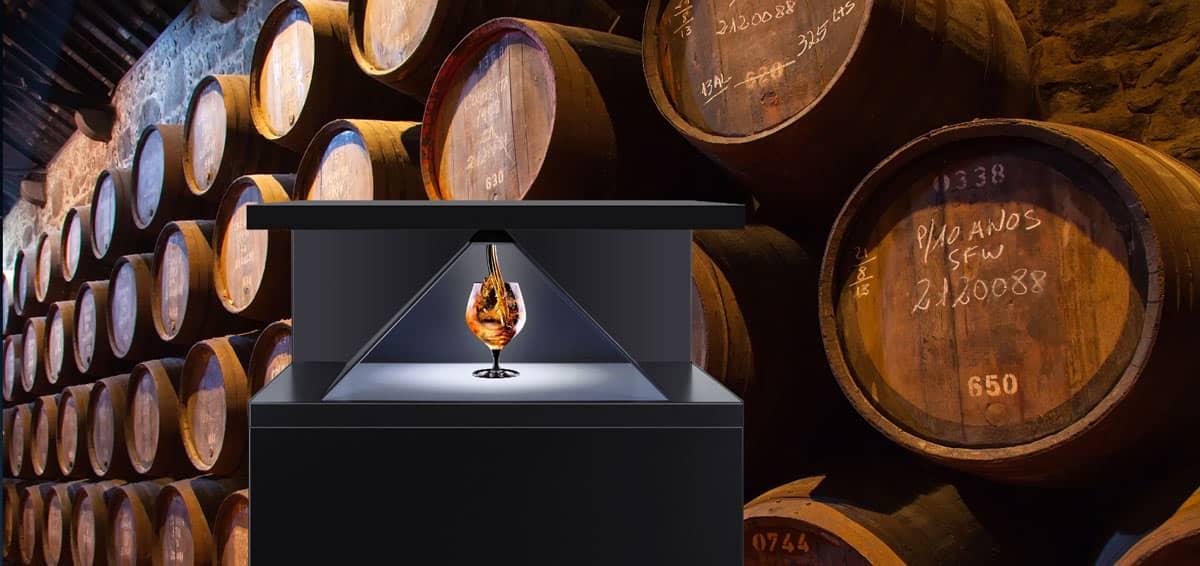 Hologramm Projektor Dreamoc XL2 Cognacglas mit projiziertem Cognac